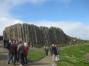 """Figura 9: Estructura conocida como """"Chimeneas"""", de los basaltos intermedios. Fuente propia."""