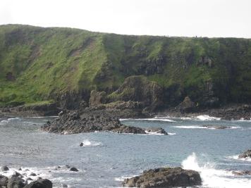 Figura 10: Vista de Port Naboe, con la figura del Camello, esculpida de forma natural en un dique basáltico. Fuente propia.: