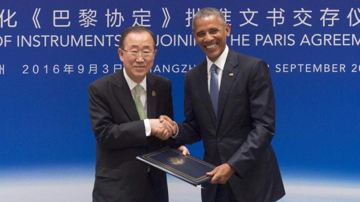 Ban Ki-moon y Barack Obama, en el momento del anuncio de la ratificación de los acuerdos de la cumbre del Clima de París por parte de China y EE.UU. (Saul Loeb / AFP)